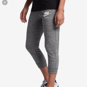 Nike Vintage Capri joggers